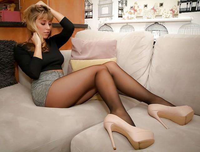 Секс длинные ножки удивило