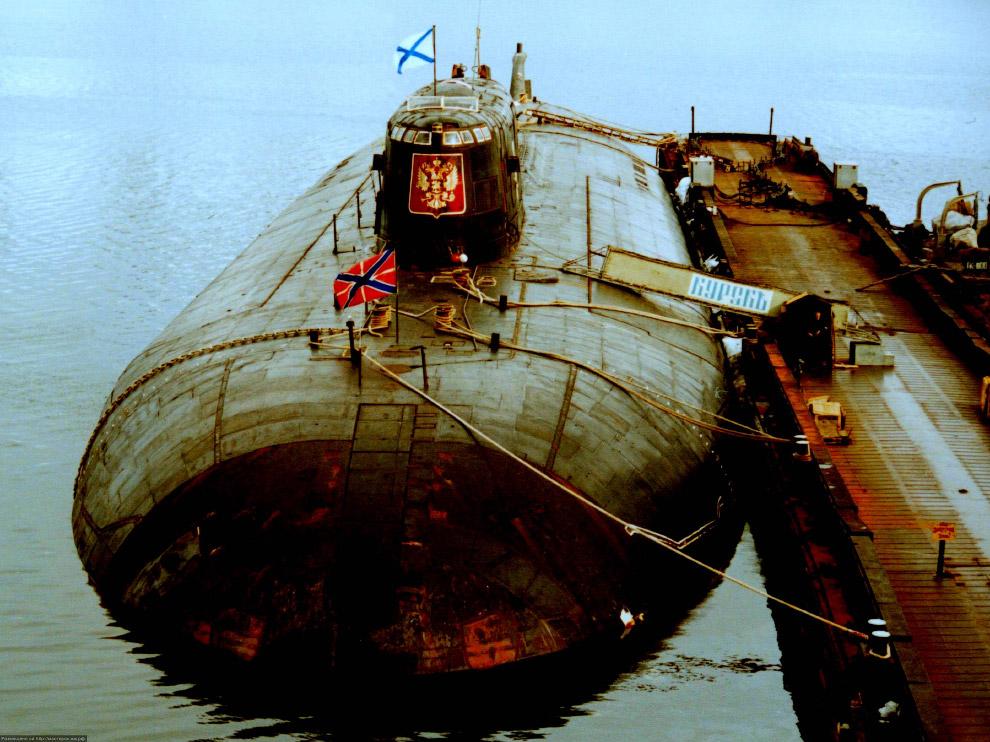 год затонула лодка курск